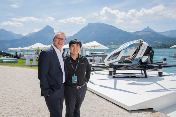 Mr. Hu (right) and Robert Machtlinger, CEO of FACC, together with EHang 216 @Neumayr